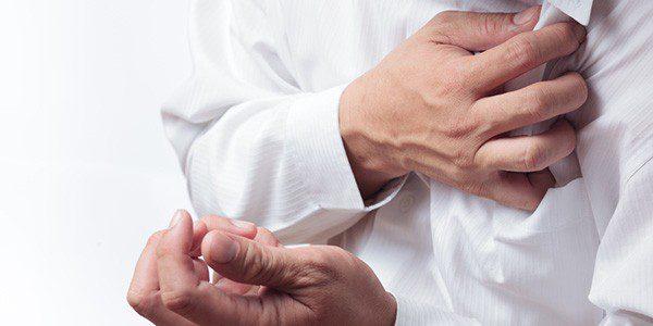 Резкая боль в груди