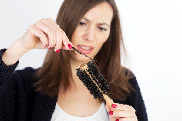 Секреты здоровья и красоты: лечение волос от выпадения в домашних условиях