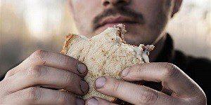 прием пищи грязными руками