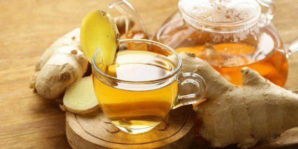 Приготовленный чай с имбирем