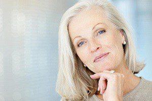 Упругая кожа у пожилой женщины